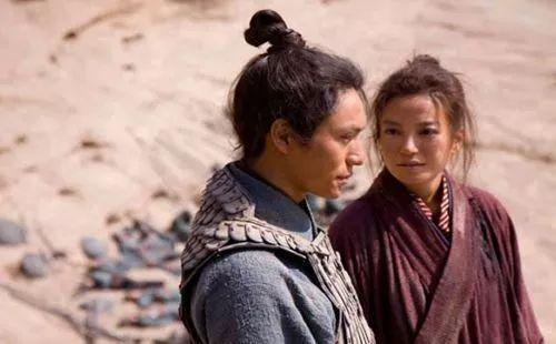 花木蘭當兵10多年,每天總得洗澡,為啥男兵都沒看出她是女人?