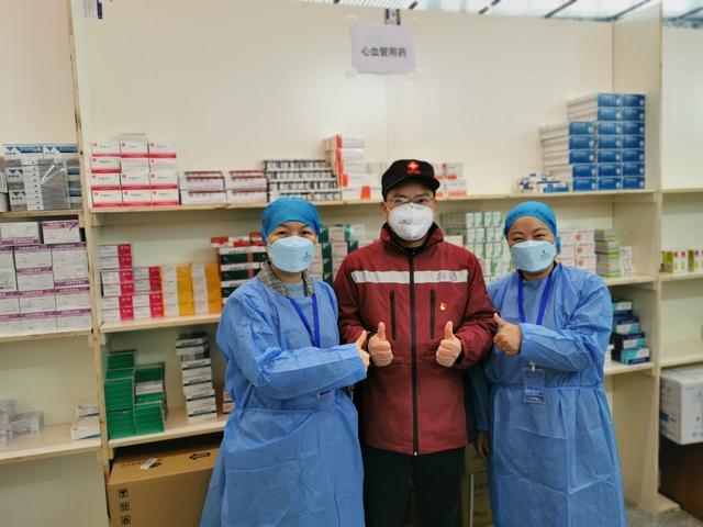 第一批方舱医院医务人员今日离鄂,有些专家回去要马上给学生上网课!